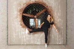 Bailarín de la muchacha de la danza de la calle Imagen de archivo