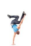 Bailarín de la rotura de los jóvenes que muestra sus habilidades Fotos de archivo libres de regalías