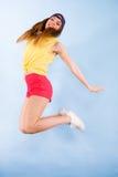 Bailarín de sexo femenino sonriente de moda joven Foto de archivo