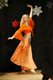 Bailarín de vientre de sexo femenino Fotografía de archivo libre de regalías