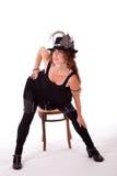 Bailarín del cabaret que presenta con la silla imagen de archivo libre de regalías