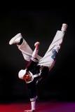 Bailarín del salto de la cadera en danza Fotografía de archivo
