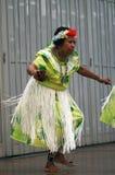 Bailarín indígena de la mujer Imagen de archivo