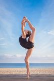 Bailarín joven sano apto Foto de archivo libre de regalías