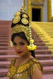 Bailarín Performance de Apsara en templo Imágenes de archivo libres de regalías