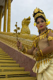 Bailarín Performance de Apsara en templo Fotos de archivo