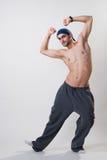 Bailarín que ejercita en estudio imagen de archivo libre de regalías