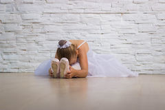 Bailarina bonito pequena ballet fotografia de stock royalty free