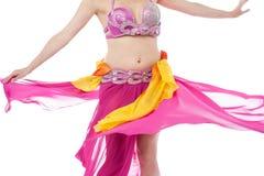 Bailarina de la danza del vientre hermosa en la acción Imágenes de archivo libres de regalías