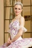 Bailarina en el interior rico Fotos de archivo
