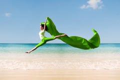 Bailarina na praia Imagens de Stock Royalty Free