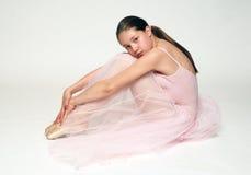 Bailarina que se sienta Foto de archivo libre de regalías