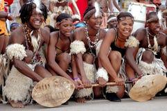Bailarines africanos del Zulú Foto de archivo libre de regalías