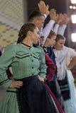 Bailarines alemanes en traje tradicional Imágenes de archivo libres de regalías