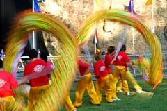 Bailarines chinos del dragón fotografía de archivo libre de regalías