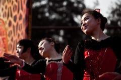 Bailarines chinos durante Año Nuevo chino Imágenes de archivo libres de regalías
