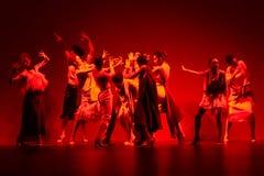 Bailarines de ballet durante la colección de Duyos en SS 2015 MBFW Madrid Imagen de archivo libre de regalías