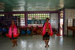 Bailarines de Bidayuh, Mongkos, Borneo, Sarawak, Malasia Fotografía de archivo