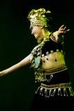 Bailarines de Chinse. Compañía del arte de Zhuhai Han Sheng. Festival de primavera 2013 Imagen de archivo libre de regalías