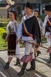Bailarines de Rumania en traje tradicional Fotografía de archivo libre de regalías