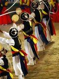 Bailarines de Samulnori Imagen de archivo libre de regalías
