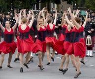 Bailarines de Scottsh del país en el viaje real 2010 Fotos de archivo