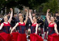 Bailarines de Scottsh del país en el viaje real 2010 Imagen de archivo