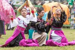 Bailarines de sexo femenino indígenas Imágenes de archivo libres de regalías