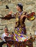 Bailarines de Uzbekistán Fotografía de archivo libre de regalías