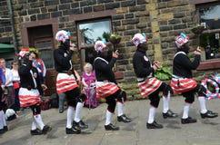 Bailarines del coco de Britannia en Bacup Foto de archivo