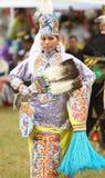 Bailarines del prisionero de guerra del nativo americano guau foto de archivo