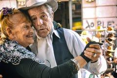 Bailarines del tango de Buenos Aires - Pochi y Osvaldo Foto de archivo libre de regalías