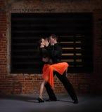 Bailarines del tango en la acción Imagen de archivo libre de regalías