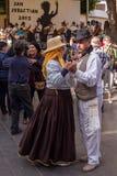 Bailarines en el festival de las islas Canarias Foto de archivo libre de regalías