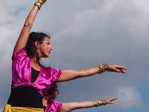 Bailarines en el pabellón israelí en los días 2013 de la herencia de Edmonton Imagen de archivo libre de regalías
