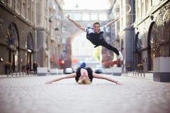 Bailarines en la calle foto de archivo libre de regalías