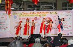 Bailarines en la celebración china del Año Nuevo en Vancouver Imagenes de archivo
