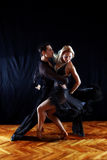 Bailarines en salón de baile Fotografía de archivo libre de regalías