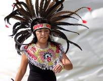 Bailarines indios de Azteca en el festival cultural Imagenes de archivo