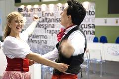 Bailarines italianos tradicionales Foto de archivo