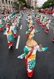 Bailarines japoneses del festival Imagen de archivo