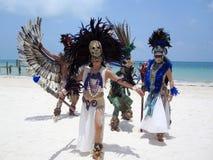 Bailarines mexicanos tradicionales Imagenes de archivo