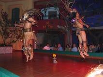 Bailarines nativos Imagenes de archivo