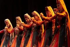 Bailarines pedagógicos de la universidad del estado armenio Foto de archivo libre de regalías
