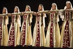 Bailarines pedagógicos del conjunto de la danza de la universidad del estado armenio Foto de archivo libre de regalías