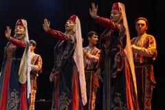 Bailarines pedagógicos del conjunto de la danza de la universidad del estado armenio Imagenes de archivo