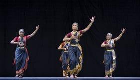 Bailarines populares indios Fotos de archivo