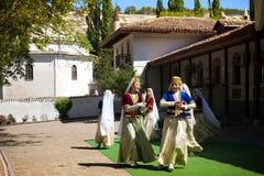 Bailarines tártaros del folclore Fotografía de archivo