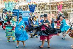 Bailarines tradicionales bolivianos foto de archivo