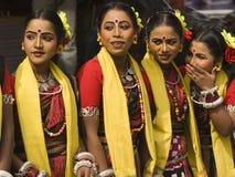 Bailarines tribales adolescentes Imagen de archivo